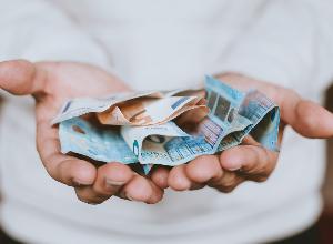 Les aides financières contre la perte totale ou partielle de revenus